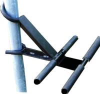 Steighilfe zum gefahrlosen Austausch von Verkehrszeichen an Standard-Rohrpfosten, aus einer Stahlpro